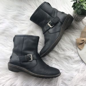 UGG Women's Bryce Black Leather Boots 9